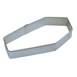 "RM - Coffin 4 In. B0914 - Coffin cookie cutter, made of sturdy tin, Size 4"" long., 1.75"" wide at the widest point. Depth 7/8 in., Color silver."