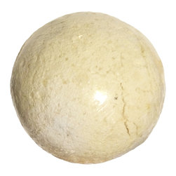 BOSSANOVA - COCONUT BATH BOMB - Our Bath bombs are refreshing and rejuvenating effervescent bath soaks that melt your tensions away. Drop them in the bath and watch them fizz.