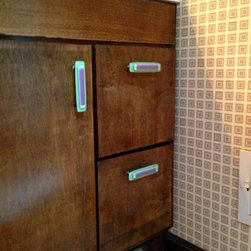 Custom Color-Matched Cabinet Hardware by Uneek Glass Fusions - Custom glass cabinet and drawer pulls. Uneek Glass Fusions http://www.uneekglassfusions.com
