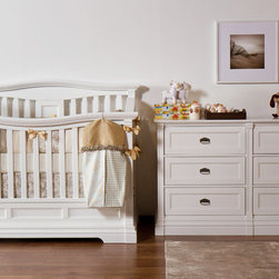 IMPERIO Collection - Imperio baby setting with convertible crib including six drawers chest.