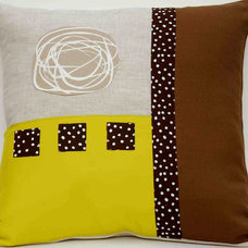 contemporary pillows by Tanti Colori