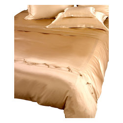 Classic Duvet Cover - Twin - Pebble - The Classic Duvet Cover boasts a soft lustre like that of a gently gleaming moon bathed in blue twilight. Simply styled, the silk cover is an elegant bed dressing that blends easily with transitional decor in the master suite or in a guest cottage. Ties at both ends of the cover allow for easy accommodation of any comforter.