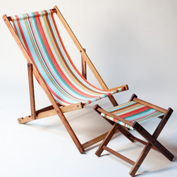 Brighton Beach Deck Chair - Confession: I'm a beach reader. At the beach, I don't lay out, play whiffle ball or build sand castles, I sidle up to the shoreline and read. There is nothing better than getting lost in a book while waves crash at your feet — nothing!