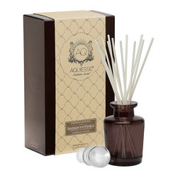Frontgate - Sandalwood Vanille Reed Diffuser - Bergamot and lavender blend with white vanilla fleur, sandalwood, and musk.