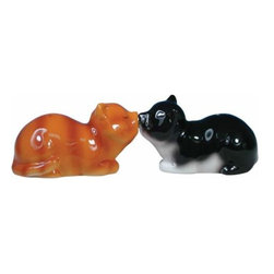 WL - 1.75 Inch Black and Orange Striped Cat Kissing Salt and Pepper Shakers - This gorgeous 1.75 Inch Black and Orange Striped Cat Kissing Salt and Pepper Shakers has the finest details and highest quality you will find anywhere! 1.75 Inch Black and Orange Striped Cat Kissing Salt and Pepper Shakers is truly remarkable.