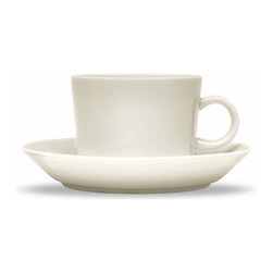 Iittala - Teema Saucer Only, White - A cup and saucer instantly upgrade any coffee or tea sipping experience. This modern take on the classic tradition is the perfect addition to any dining table. And when you're finished sipping, simply place these in the dishwasher for easy cleanup.