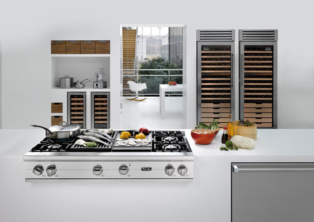 Modern Kitchen by Appliance Love