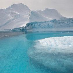 Magic Murals - Antarctic Icebergs Wallpaper Wall Mural - Self-Adhesive - Multiple Sizes - Magic - Antarctic Icebergs Wall Mural