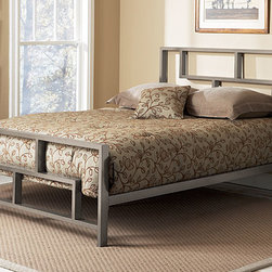 None - Bronx King-size Bed - Add a contemporary touch to your bedroom using this Bronx king-size bed. Featuring a minimalist metal construction, the adjustable deck makes a box spring optional, allowing you to choose the aesthetic that best suits your room and style.