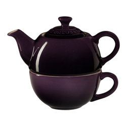 Le Creuset - Le Creuset Tea for One - Tea for One, elegantly designed to serve a single cup of tea, is an innovative two-in-one set that offers a hassle-free alternative to the traditional tea set  with a teapot that sits perfectly on top of its cup.