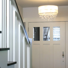Contemporary Entry by Chambers + Chambers