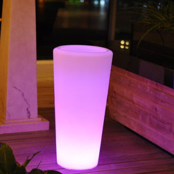 Outdoor LED Lights Vace - Outdoor LED light Vace  Nine Hours of continuous Use, changes colors by remote control. Prices vary based on size, for more info contact us at Jaavanpatio.com