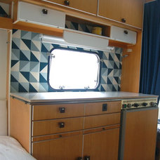 Eclectic  Die Küche im Wohnwagen nachher