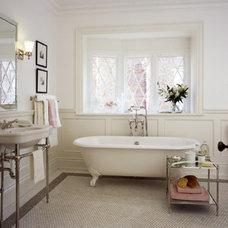 Traditional  bathroom 0001