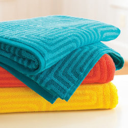Grandin Road - Trina Turk Amazing Maze Bath Towel - Trina Turk towel collection, with a bright maze pattern. Ultra soft and absorbent 600 GSM bath towels make every day feel like a warm-weather getaway. Carefully sewn from 100% cotton. Machine washable; see details on care label. Surround yourself in the colorful and nostalgic, poolside lifestyle that serves as the inspiration for Trina Turk's Amazing Maze Towel Collection. A native of California, Trina Turk captures the influences of Los Angeles architecture and vintage design in brilliant fashion. Dynamic maze pattern is brought to life in your choice of vibrant color.  .  .  .  . Imported.