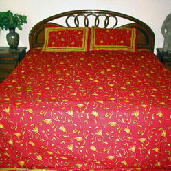 Red Decor Bedspreads