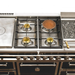 "Officine Gullo Grand Villa OG148 - Cooking Range-58 4/16"" with 4 high efficiency burners up to 20,500 Btu's (6KW) at the center and two additional cooking elements 15 3/4"" (40CM) on each side."