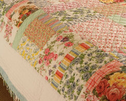 Printemps Quilt - You'll never want to get out of bed when sleeping under this cozy, quilt.  Vibrant colors make this a lovely addition to any bedroom.