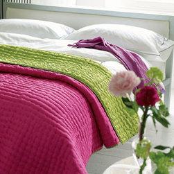 Designers Guild - Chenevard Fuchsia & Lime Reversible Silk Quilt - Chenevard Fuchsia & Lime Reversible Silk Quilt
