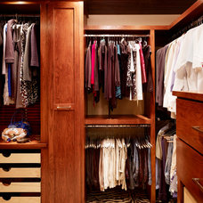 Traditional Closet by Shiflet Group Architects