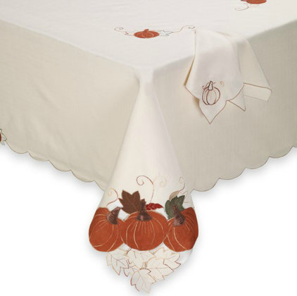 Traditional Tablecloths by Bed Bath & Beyond
