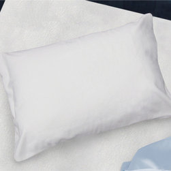 HealthGuard - HealthGuard Bed Protector Ultra Plush Jumbo-size Pillow Protectors (Set of 2) - Make your pillows last longer with these handy pillow protectors from HealthGuard,which come in a set of two. Each protective cover is made from cotton and polyurethane,which block dust mites,reduce allergens,and resist water damage.