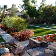 Modern Landscape by Singing Gardens