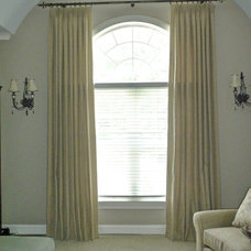 Traditional Window Treatments by Ralph Beilstein Studio Inc.