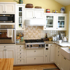 Traditional Kitchen Cabinetry by Blue Spruce Joinery