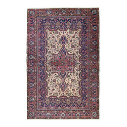 vintage hand-knotted rug - Turkish Kayseri Carpet - Kayseri carpets are probably the best known of the Turkish hand-knotted carpets in the western world. Virtually all Kayseri pieces sold by Rug & Relic are vintage rugs, between 30 and 60 years old. The reason for this is simple: they look and feel better than their new counterparts!