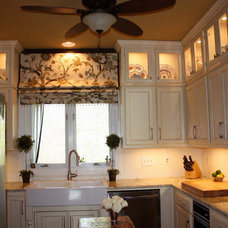 Traditional Roman Blinds by Hanging In Style Designs