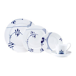 Royal Copenhagen - Royal Copenhagen Blue Fluted Mega 5-Piece Place Setting - Royal Copenhagen Blue Fluted Mega 5-Piece Place Setting