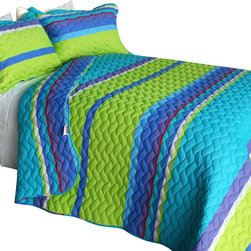 Blancho Bedding - [Exotic Fantasy Wood]3PC Vermicelli-Quilted Patchwork Quilt Set Full/Queen Size - The [Exotic Fantasy Wood] Quilt Set (Full/Queen Size) includes a quilt and two quilted shams. This pretty quilt set is handmade and some quilting may be slightly curved. The pretty handmade quilt set make a stunning and warm gift for you and a loved one! For convenience, all bedding components are machine washable on cold in the gentle cycle and can be dried on low heat and will last for years. Intricate vermicelli quilting provides a rich surface texture. This vermicelli-quilted quilt set will refresh your bedroom decor instantly, create a cozy and inviting atmosphere and is sure to transform the look of your bedroom or guest room. (Dimensions: Full/Queen quilt: 90.5 inches x 90.5 inches Standard sham: 24 inches x 33.8 inches)