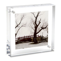 Canetti - Original Square Magnet Frame - Looking for a fun way to display your favorite vacation pic? Slip your favorite image between the two clear panels of this square frame for a stylish, unadulterated presentation. Tiny magnets securely hold the frame together with ease without taking attention away from your photo.