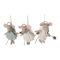 Maileg - Angel Mouse Ornament, Gold - This angel mouse is the cutest to decorate a room, a stroller, or your christmas tree!