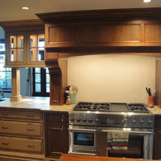 Traditional Kitchen Hoods And Vents by THE KITCHEN LADY, Enriching Homes With Style