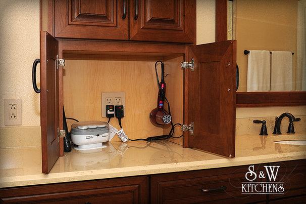 Traditional Bathroom by Carol Twomey - S&W Kitchens