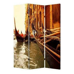 Venice Screen - Canal desires: You have a passion for the romantic beauty of Venice, but due to financial considerations, you have to live apart. This dramatic screen comes to the rescue with two spectacular scenes that will win your heart.