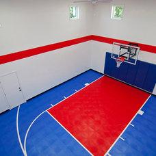 Home Gym by Creek Hill Custom Homes