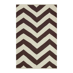 Fab Habitat - Lexington Coffee & Beige (5' x 8') - No matter how you look at it, this exceptional rug certainly makes a point of adding a lot of visual interest to a space. It's no doubt the timeless chevron pattern that runs throughout, which allows you to create a subtle, yet noticeable foundation.