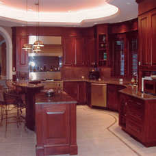Traditional Kitchen Cabinetry by Stephen Cabitt Company
