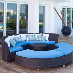 San Diego Modular Outdoor Circle Sofa Set - You're going to need some comfortable seating for your family and guests. This is my favorite choice because it allows for group conversation.