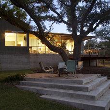 Modern Patio by Furman + Keil Architects