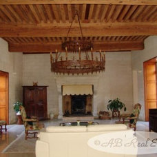 18 bedroom character property for sale in Arles, Vaucluse, France