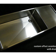 All Custom Kitchen Sinks are Seamless- No Drain Seam