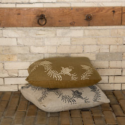 """Cricket Radio Shelburne Collection - Heavyweight textured Italian linen showcases the Shelburne Floral pattern on generous square throws pillows. Also available in lumbar. Zipper Closure cases are pre-washed and preshrunk and come complete with a 10/90 down insert.  Hand printed on Bramble, Terracotta, Rain, or Natural linen. Hand sewn and printed in Vermont using eco-friendly, water-based inks. Preshrunk.  20""""L x 20""""W"""