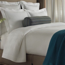 Traditional Quilts And Quilt Sets by Gracious Style