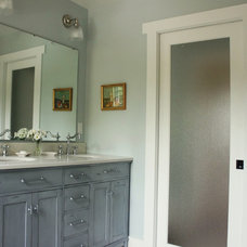 Traditional Bathroom Craftsman House Interior