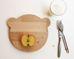 Snug.Bear Breadboard by Snug Studio - This wooden bear breadboard can act as a whimsical place setting at the table for kids, or grownups. Mealtimes will be even more imaginative when your tot can play with the food.