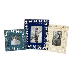 iMax - Coastal Link Photo Frames, Set of 3 - In ocean shades of blue and white, the Coastal link photo frames are a great way to display your favorite photos. Set of 3.